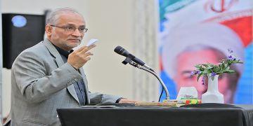 سیدحسین مرعشی تاکید کرد: ما باید با مردم و در خدمت مردم باشیم